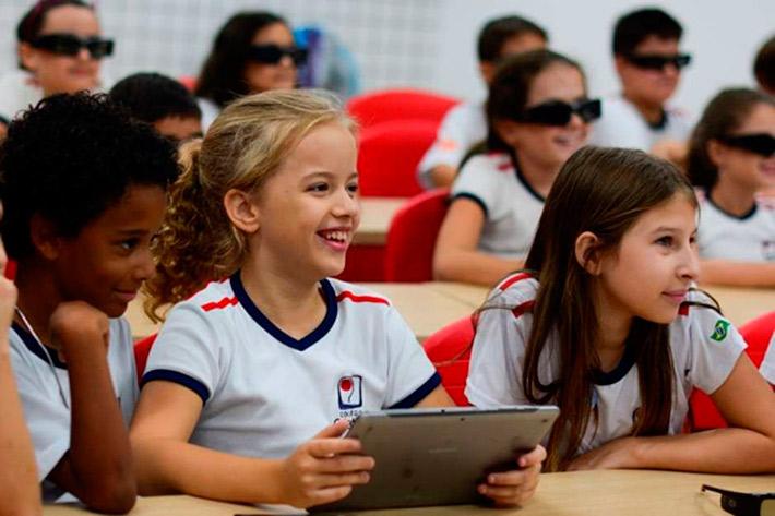 Colégio de Florianópolis promove transformação digital da educação